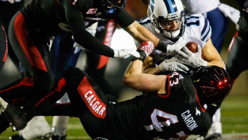 Linebacker Max Caron during a game on October 15, 2016 (Photo by Canadian Press/Jeff McIntosh)