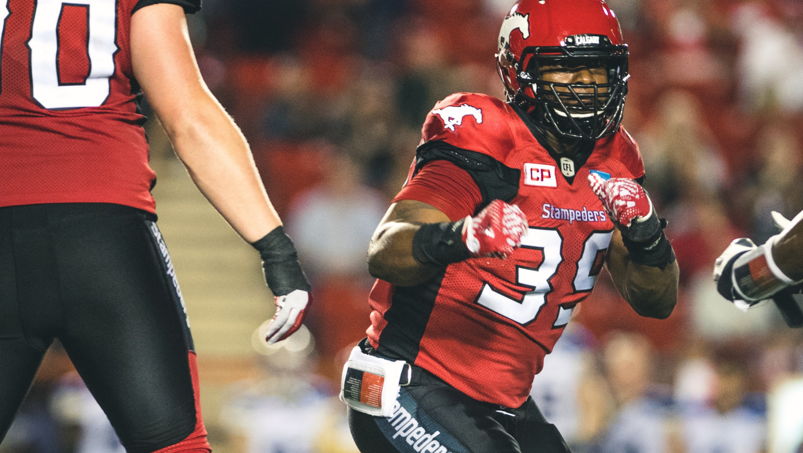 Calgary Stampeders trade longtime defensive lineman Charleston Hughes