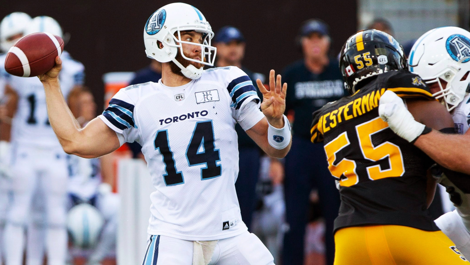 the weekly say which qb has the shortest leash cfl ca