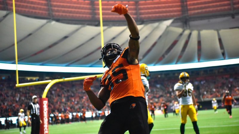 Posey Pounces: Trio of TDs lifts Lions over Esks