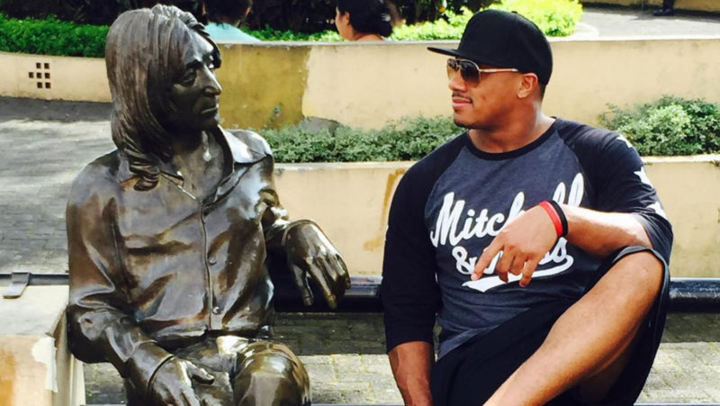 Bowman chatting up John Lennon's statue in San José, Costa Rica. (JohnBowman7 Instagram)