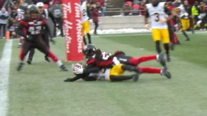 EF: Jones makes incredible circus catch for the score