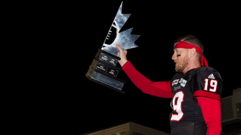 WF: Calgary Stampeders presented with West Division trophy