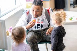 Visite de aux enfants malades de l'hôpital Ste-Justine avec les joueurs des Alouettes le 9 Septembre 2019. Photo: Dominick Gravel / Alouettes de Montreal