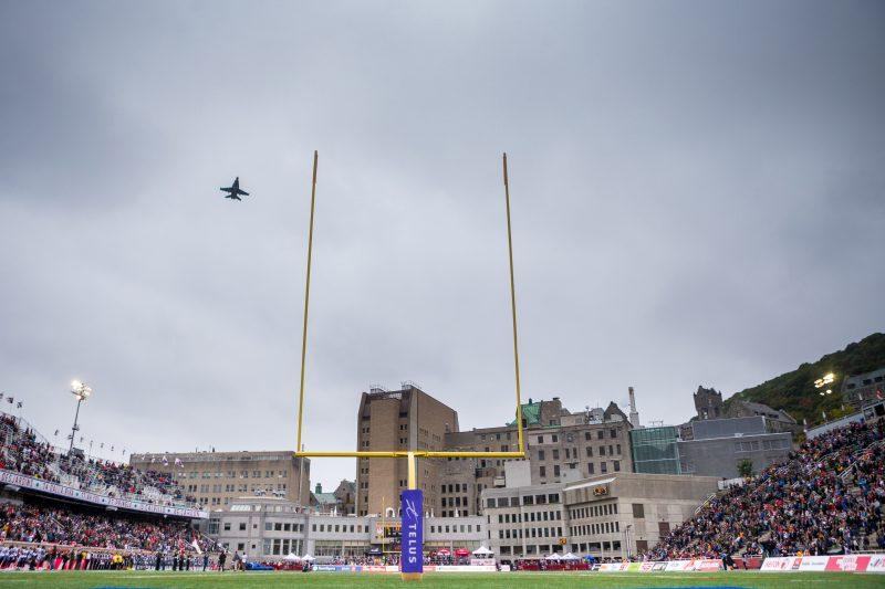 Match de football entre les Alouettes de Montreal et les Argonautes de Toronto le 2 Octobre 2016 au Stade Percival Molson à Montreal.
