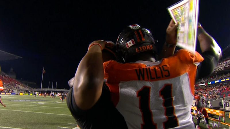 Willis reaches milstone with 100th career sack