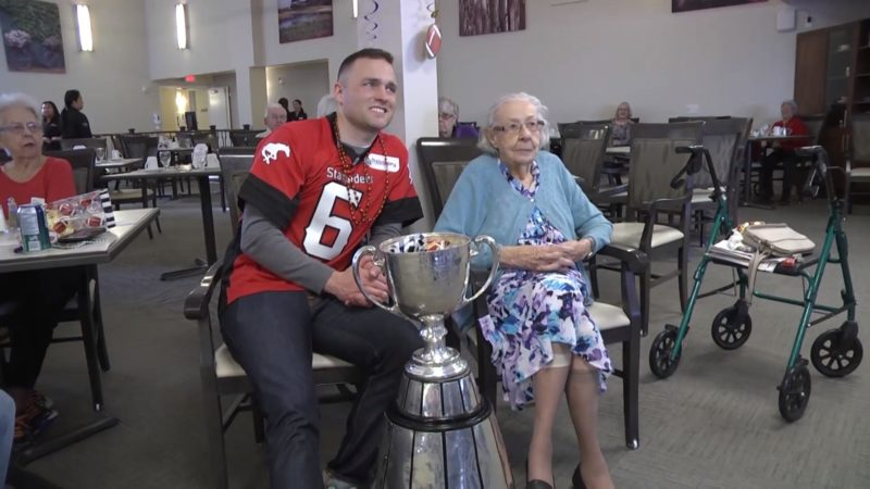 Maver Visits Retirement Community
