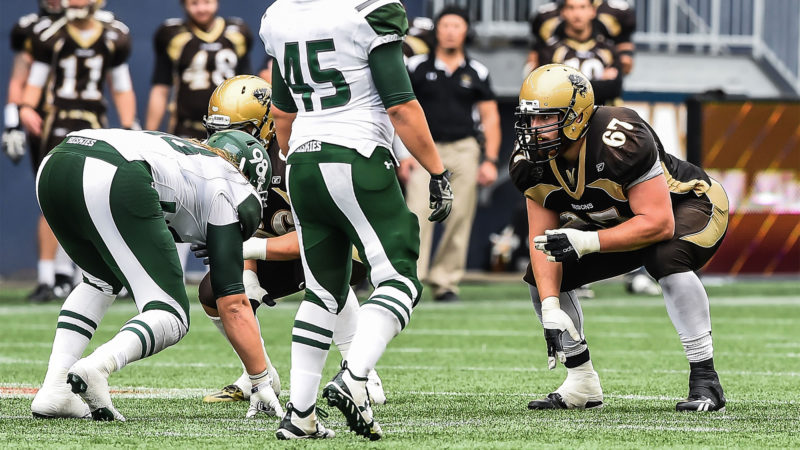 Winnipeg, Manitoba - Manitoba Bisons Football vs UofS Huskies CIS regular season action September 24. Tara Miller Bison Sports ©2016